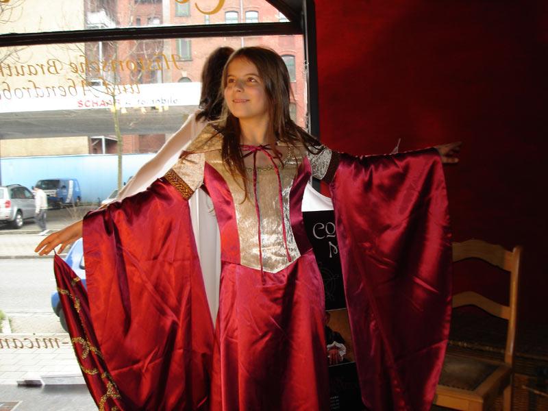 shop u0026gt  elbenkleider und histrorische brautmode