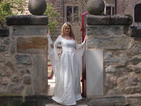 Modern celtic wedding dressesShop  Medieval wedding dresses   Renaissance wedding gowns  . Plus Size Celtic Wedding Dresses. Home Design Ideas